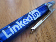How To Use LinkedIn To Recruit Professionals